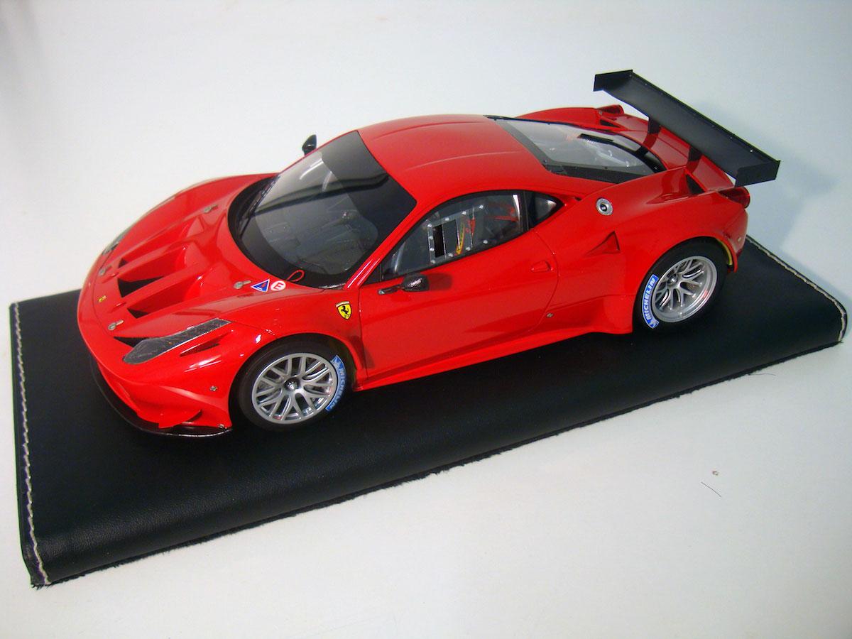Ferrari 458 Italia GT2 1:18