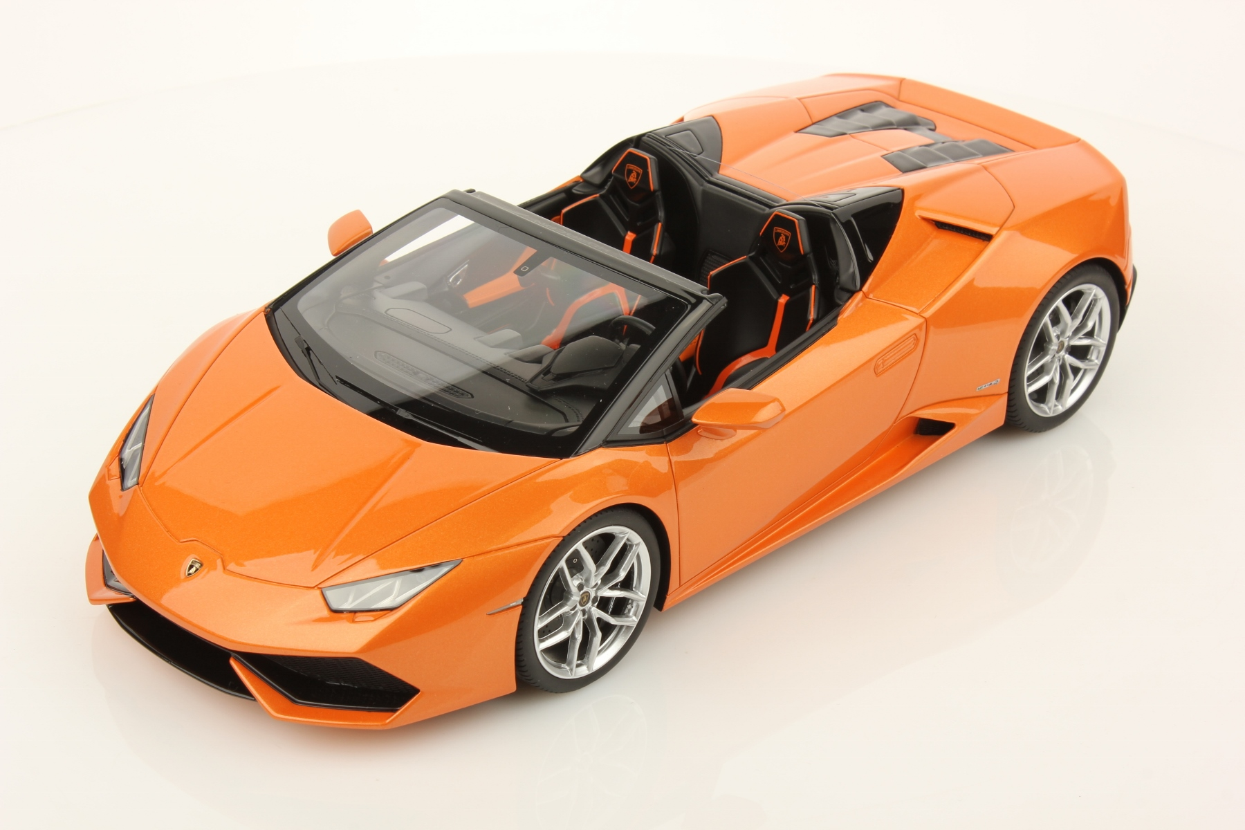 lamborghini huracan spyder price in uae lamborghini. Black Bedroom Furniture Sets. Home Design Ideas