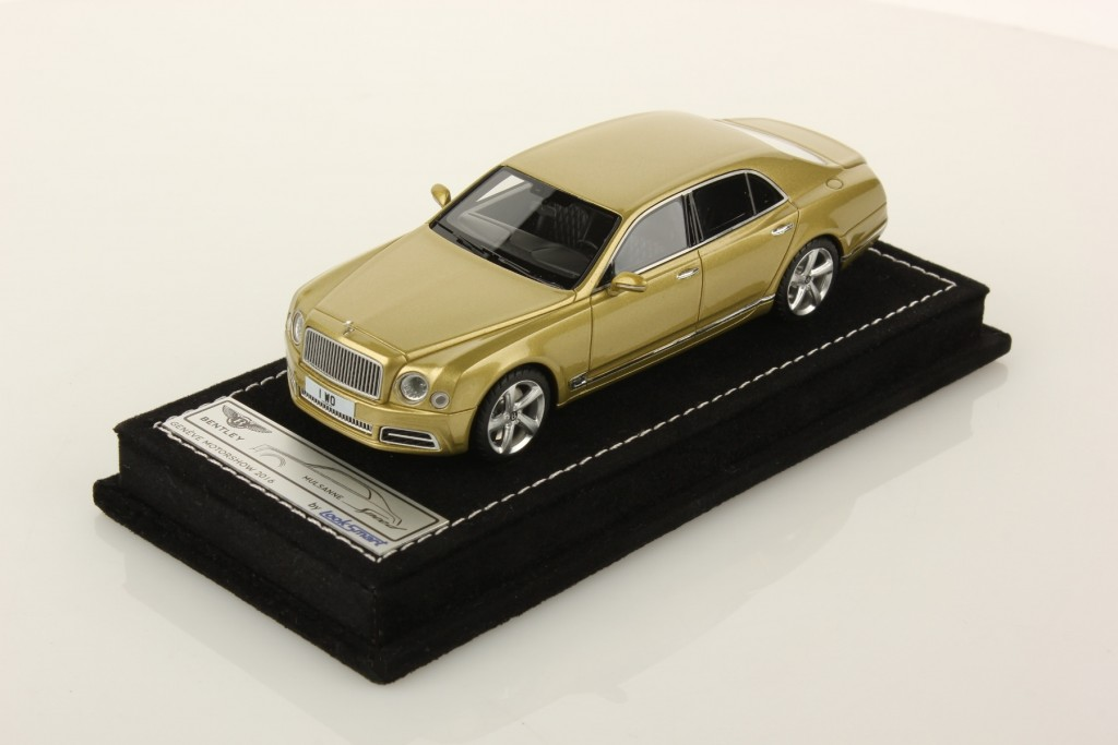 The model in 1:43 scale of the new Bentley Mulsanne by MR Group.