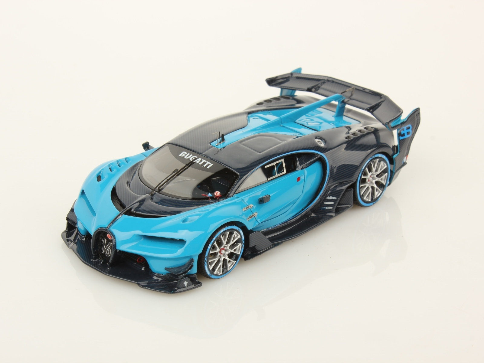 bugatti chiron, fast and luxurious, even in scale | mr collection