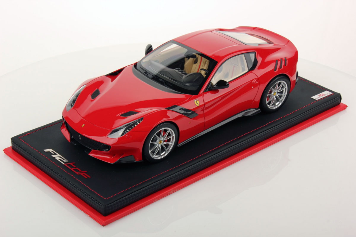 ferrari f12 tdf 1 18 mr collection models. Black Bedroom Furniture Sets. Home Design Ideas