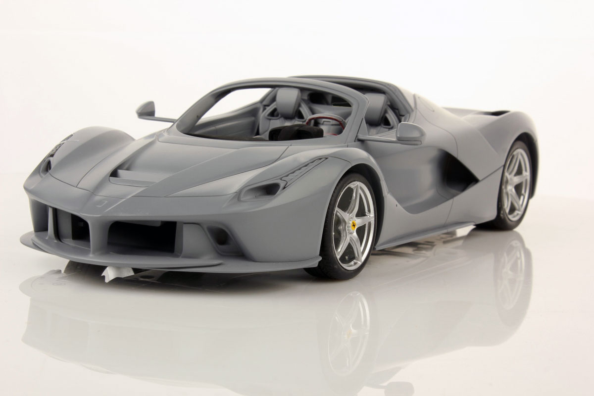 first pictures of ferrari laferrari aperta in 1 18 tm mr collection models. Black Bedroom Furniture Sets. Home Design Ideas